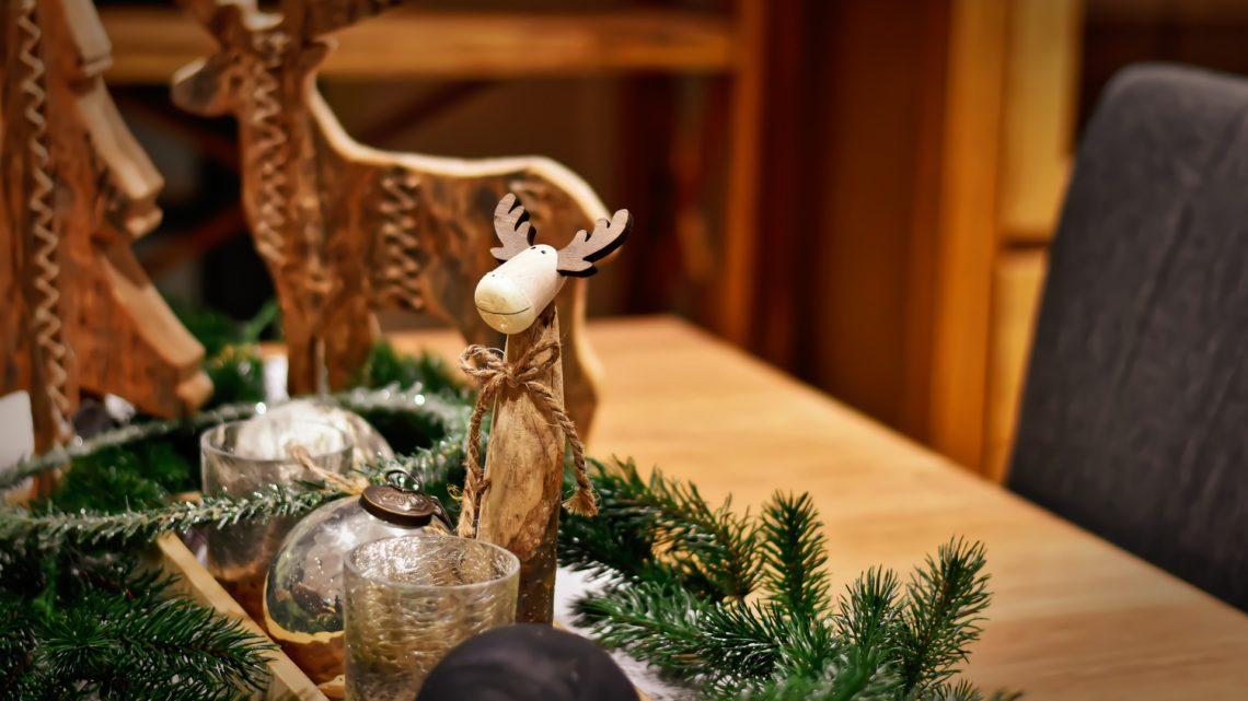 6 astuces pour décorer votre table de Noël
