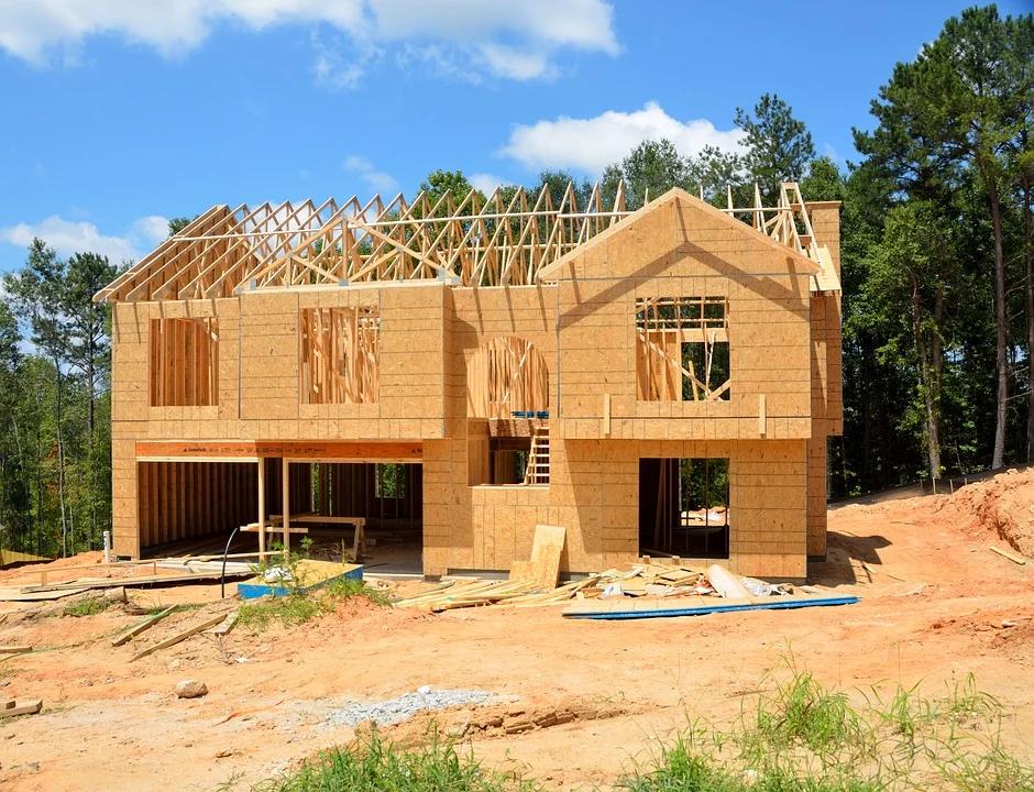 Quel modèle choisir pour bâtir une maison en bois: en kit ou sur-mesure?