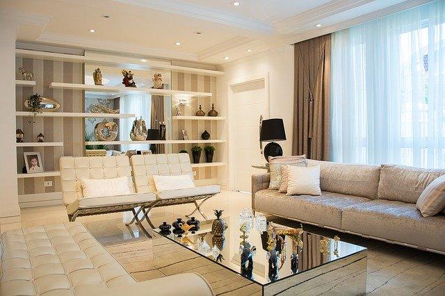 Comment bien aménager et décorer un salon?