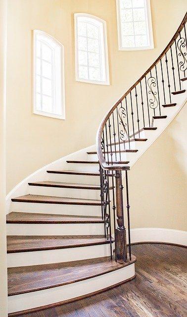 Comment remplacer une rampe d'escalier?