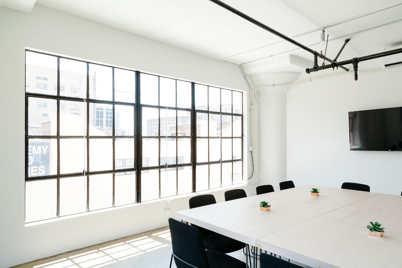 Aménagement intérieur: en quoi consiste la pose de plafond tendu