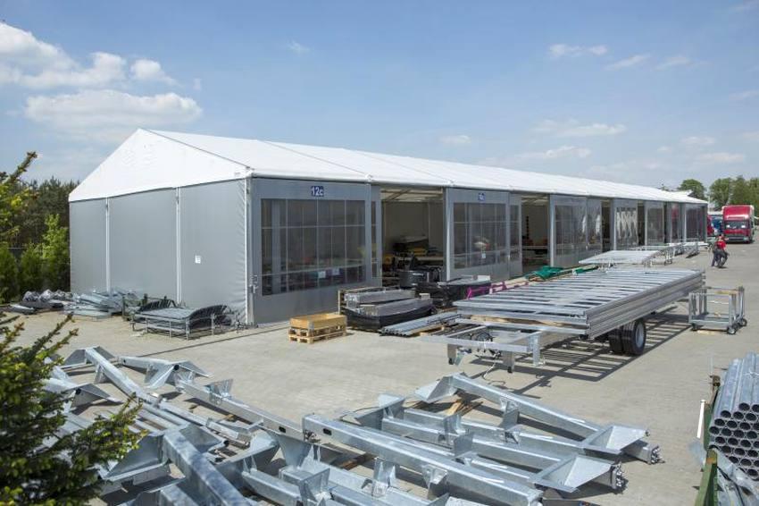 Stockage de marchandise temporaire : avez vous pensé à la tente de stockage industrielle ?