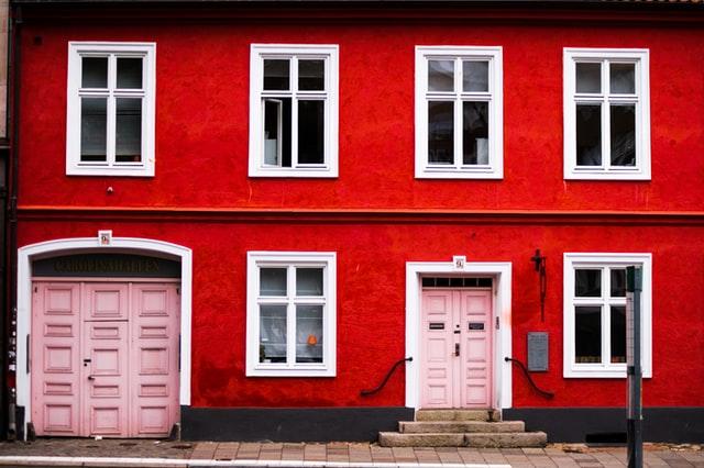 Changer l'apparence de la maison : pourquoi ne pas ravaler la façade ?