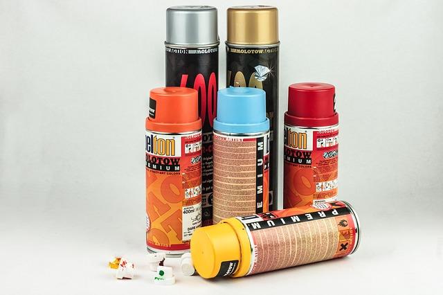 Bombe de peinture chez Bricomarché vs bombe de peinture chez Leroy Merlin